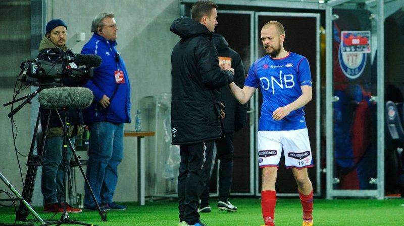 Grindheim går av banen for siste gang på Intility Arena (Foto: Digitalsport)