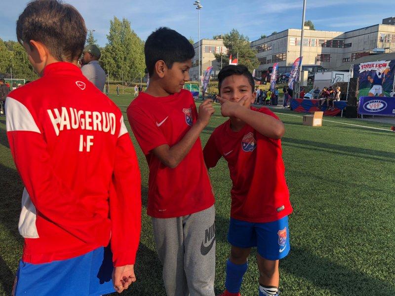 Disse gutta og resten av deltakerne er invitert til søndagens storkamp av Hurtigruta Carglass (Foto: VIF Media)