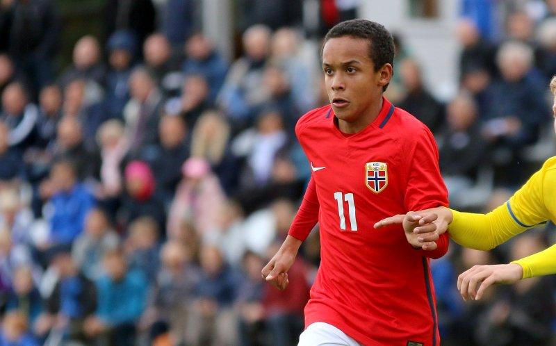Fredrik Oppegård scora to mål på tre minutter for Norges G17-landslag (Foto: NFF)