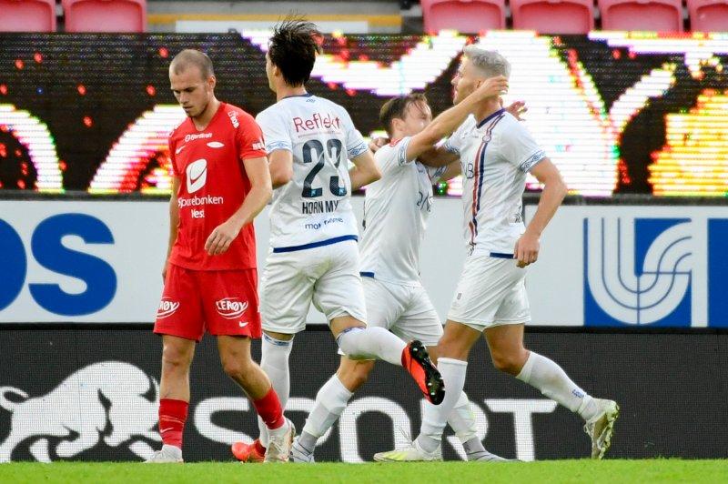 Bård Finne og Matthías Vilhjálmsson jubler for scoring (Foto: Marit Hommedal / NTB scanpix)