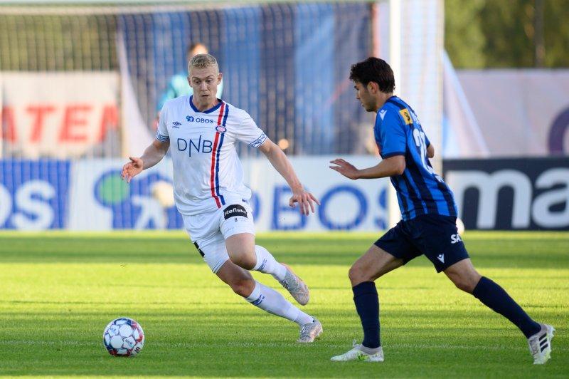 Henrik Bjørdal var mye involvert for Vålerenga (Foto: Morten Mitchell Larød / SPORTFOTO)