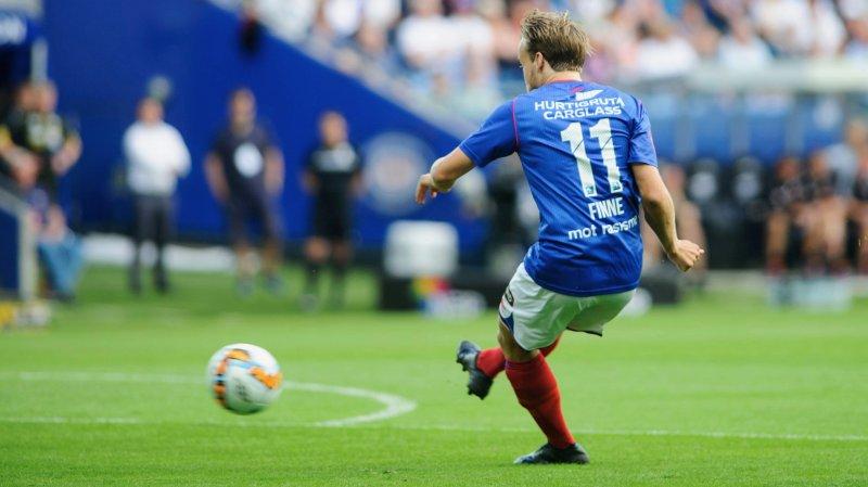 Her setter Bård Finne inn Vålerengas tredje scoring mot LSK (Foto: Digitalsport)