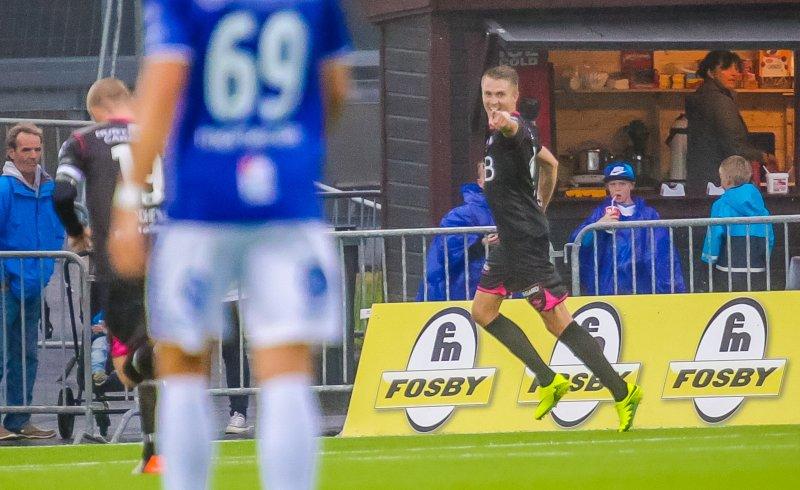 Rasmus Lindkvist jubler for 1-0-scoringa mot Sarpsborg 08 i 2016 (Foto: Digitalsport)