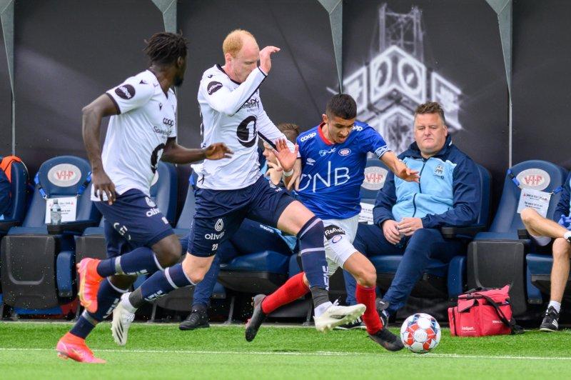 Osame Sahraoui på farten i søndagens eliteseriekamp (Foto: Morten Mitchell Larød / SPORTFOTO)