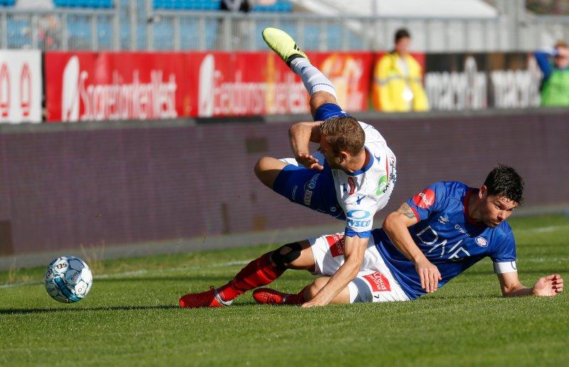 Daniel Fredheim Holm og resten av Vålerenga-spillerne trøkka til i oppgjøret mot FK Haugesund (Foto: Jan Kåre Ness / NTB scanpix)