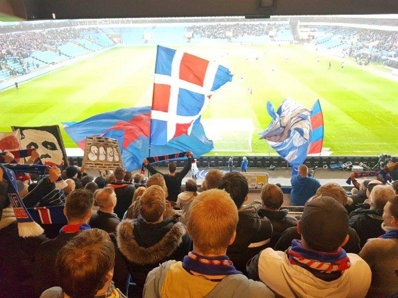 Supporterne på Bendit-tribunen hadde god sikt til kampens første scoring (Foto: Espen Bjørneseth)