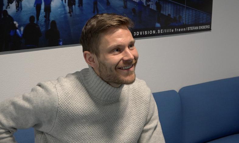 Matthías Vilhjálmsson møtte nye lagkamerater og kolleger på Intility Arena mandag formiddag (Foto: VIF Media)