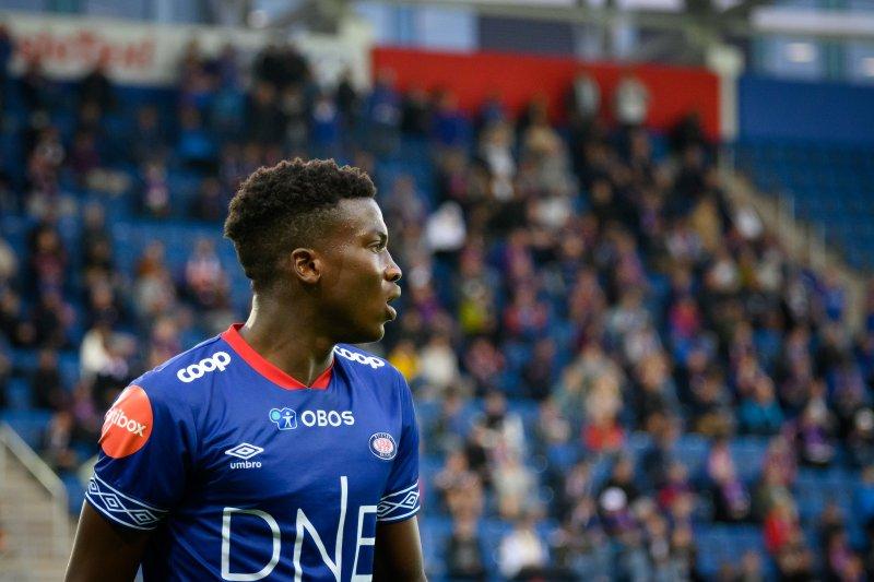 Seedy Jatta var god for Vålerenga etter pause (Foto: Morten Mitchell Larød / SPORTFOTO)
