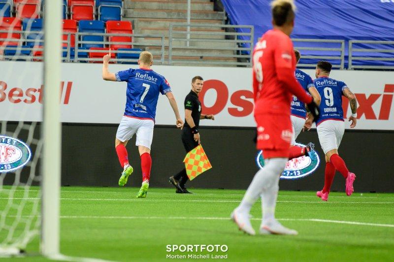 Henrik Bjørdal brukte fire minutter i debuten før han scora sitt første for Vålerenga (Foto: Morten Mitchell Larød / SPORTFOTO)