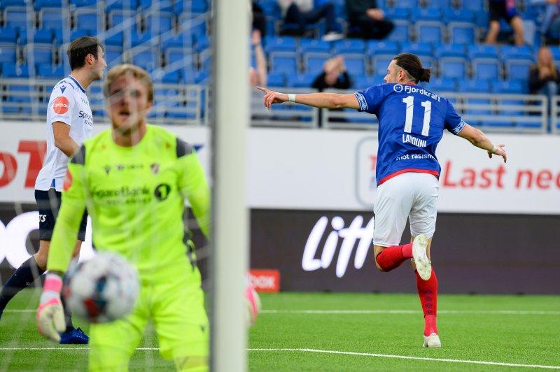 Amor Layouni feirer scoring mot Stabæk etter 14 minutter (Foto: Morten Mitchell Larød / SPORTFOTO)