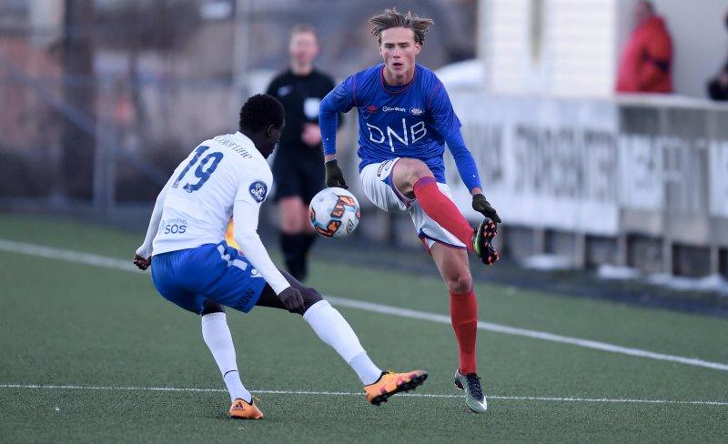 Grødem satte Norges første scoring etter 19 minutter mot Hviterussland. Her i aksjon for Vålerenga mot Sandefjord (Foto: Digitalsport)