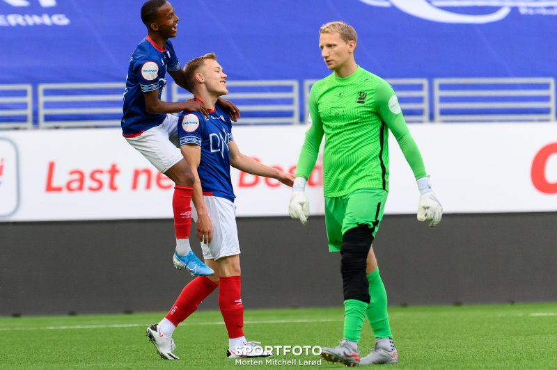 Yassir Sa´Ad og Lukas Håll jubler for scoring mot Kjelsås (Foto: Morten Mitchell Larød / SPORTFOTO)