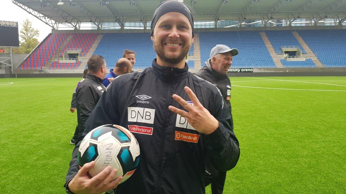 Håkon Lunov matchball_VFE