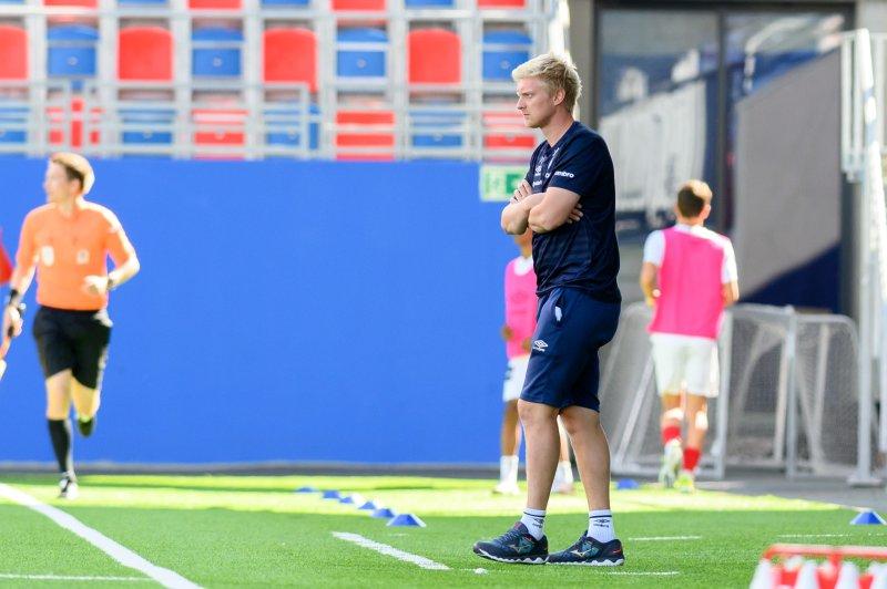 Trener Sanden har hatt mye å glede seg over i 2021, men i dag ble oppgaven litt for tøft for det unge mannskapet (Foto: Morten Mitchell Larød / SPORTFOTO)