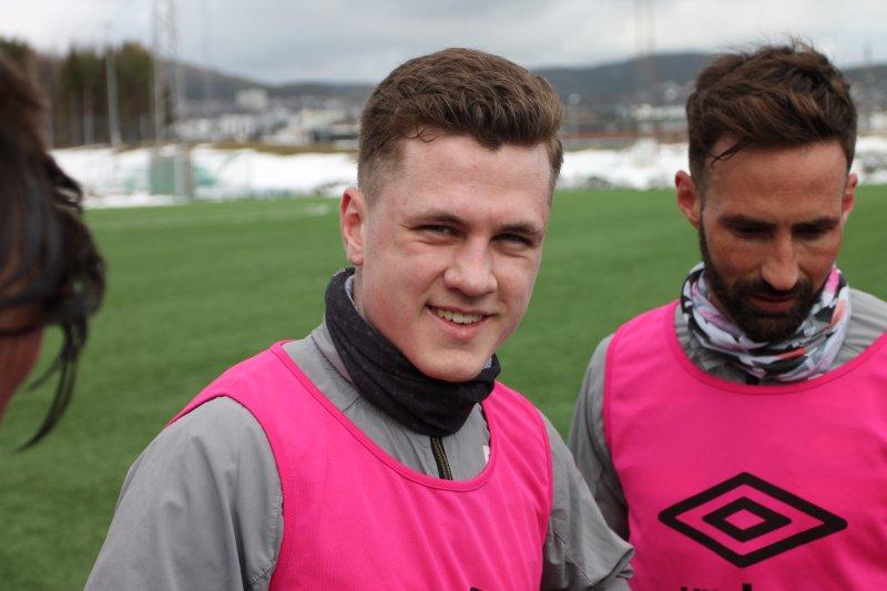 PRØVESPILL: Islendingen David Snær Johannson (17) prøver seg på treningsfeltet denne uka.