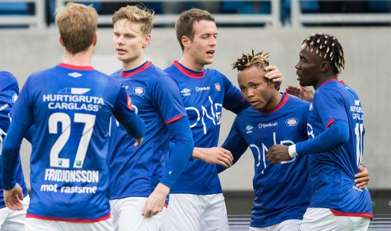 Chidera Ejuke satte inn 1-1 mot Strømsgodset (Foto: Berit Roald / NTB scanpix)