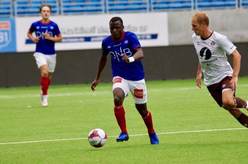 Ousmane Camara er skadefri og tilbake i Vålerenga-troppen (Foto: VIF Media)