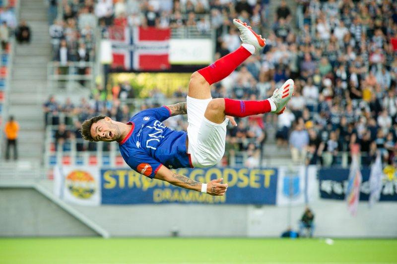 Aron Dønnum kunne juble for to scoringer i fredagens 6-0-seier. Her fra en tidligere kamp (Foto Pedro Lemos)