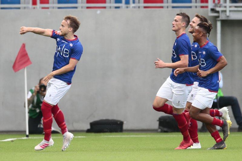 Finne og gutta feirer 3-0-scoringa i fredagens utklassing av Bodø/Glimt (Foto: Lise Åserud / NTB scanpix)