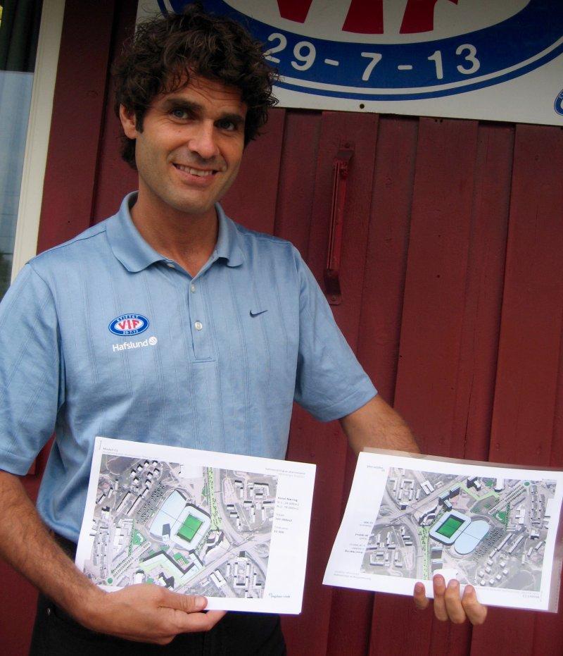 Daværende styreleder i Vålerenga Fotball ,Odd Skarheim, viser tegninger av stadion (Foto: Jarle Teigøy).